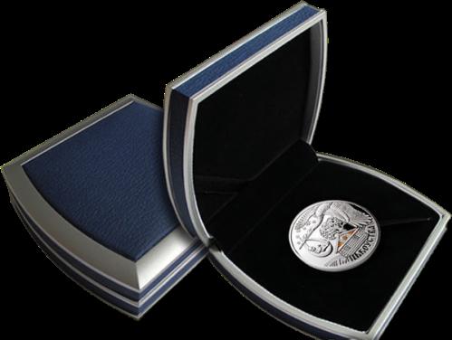 "Серебряная монета ""Отцовство"" в футляре"