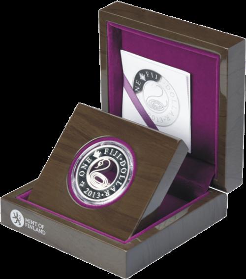 """Серебряная монета """"Год Змеи"""" с филигранью в футляре, 1 доллар Фиджи, Монетный двор Финляндии"""