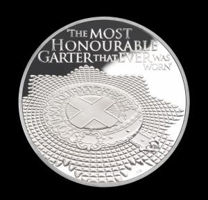 Орден Подвязки на серебряной монете Острова Святой Елены