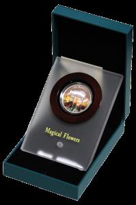 Ирис Барбата серебряная монета 1 доллар Ниуе в футляре