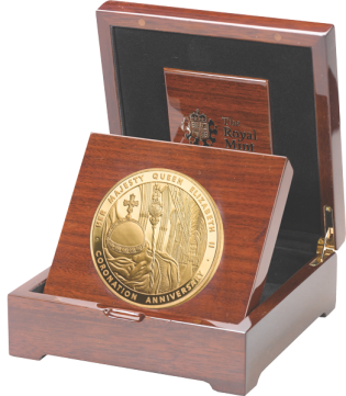 5oz золотая коронационная монета в футляре