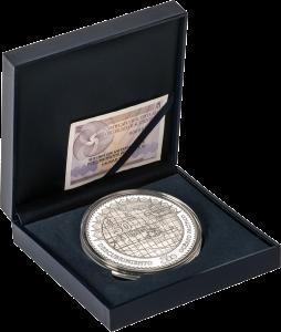 """Серебряная монета """"Бальбоа первооткрыватель Тихого океана"""" 50 евро Испания, в футдяре"""