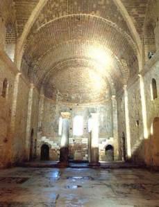 Hram v Mire v kotorom sluzhil Sv Nikolay vnutri