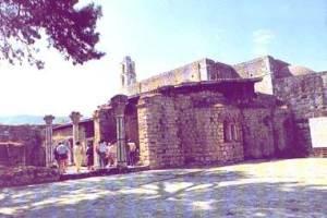 Hram v Mire v kotorom sluzhil Sv Nikolay