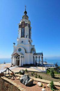 Украина Крым Малореченка Церковь-маяк на берегу Чёрного моря