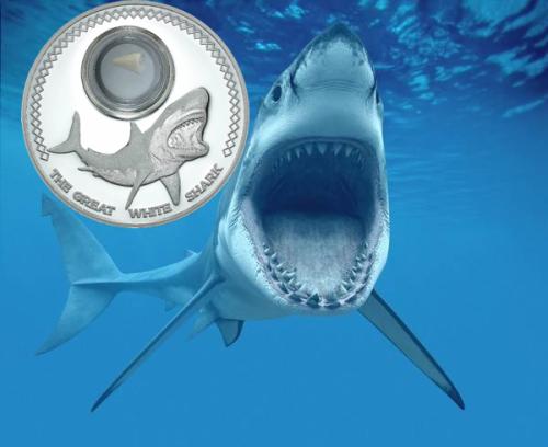 """Серебряная монета """"Большая белая акула"""" 2015 с зубом ископаемой акулы 5 долларов Токелау"""